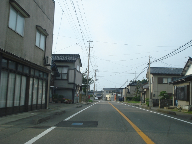 Driving through Niigata, you come across plenty of small cities.  It is quite a relief when compared to the Tokyo area.